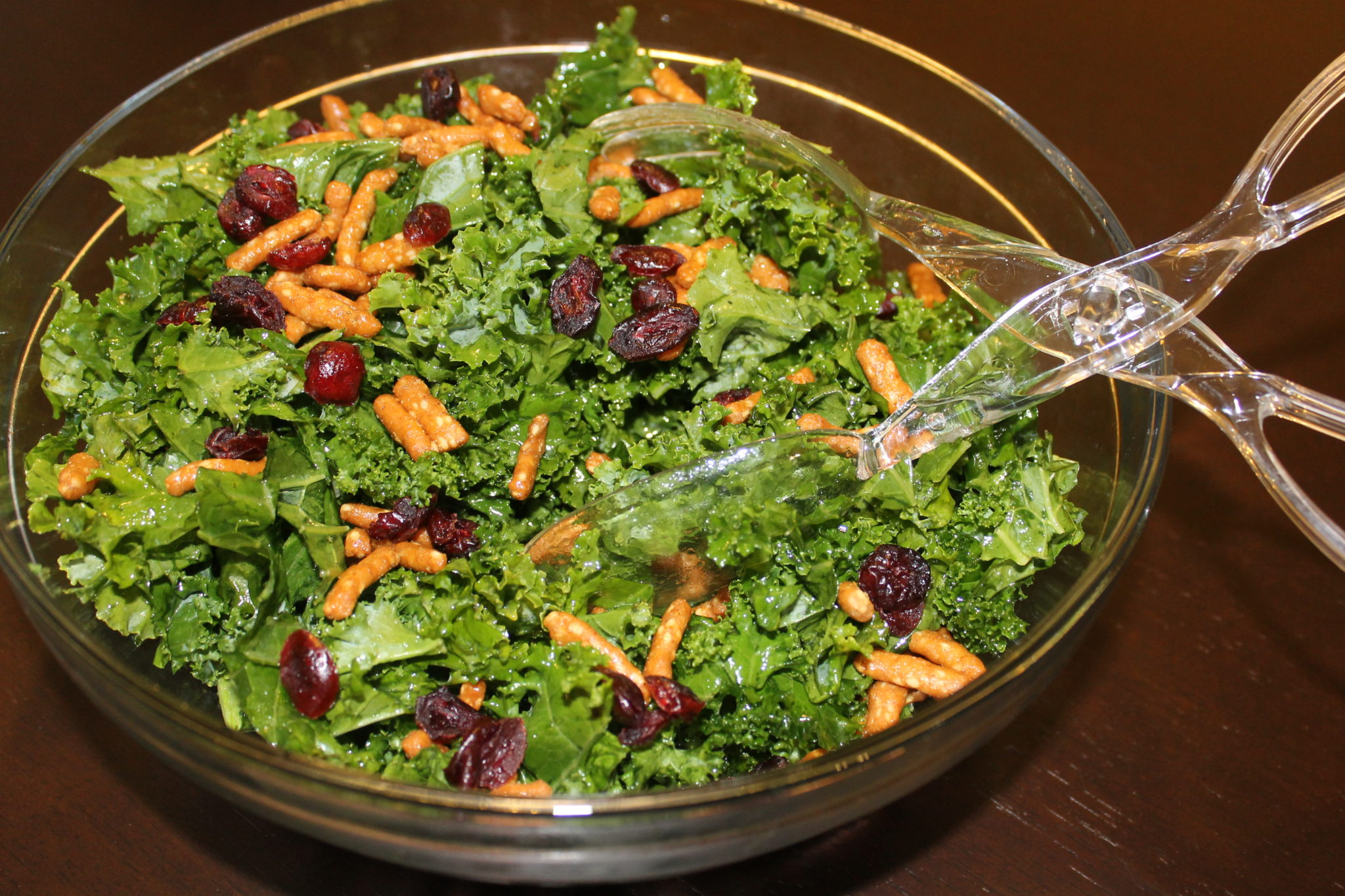 newmans own organics kale berry salad