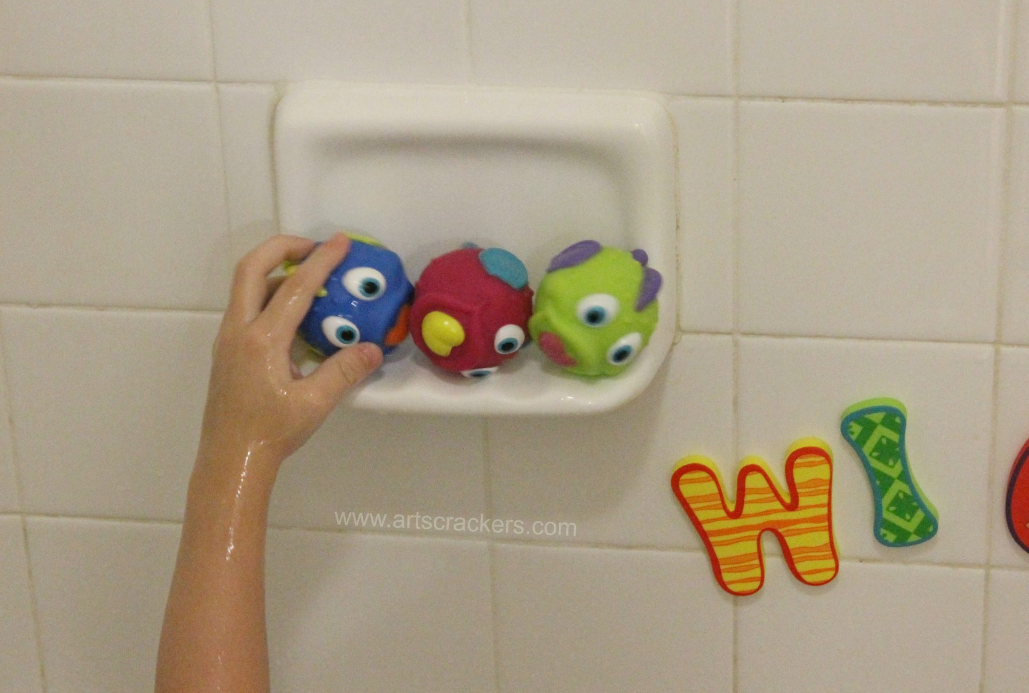 Nuby Fish Swoosh Bath Toy Balls