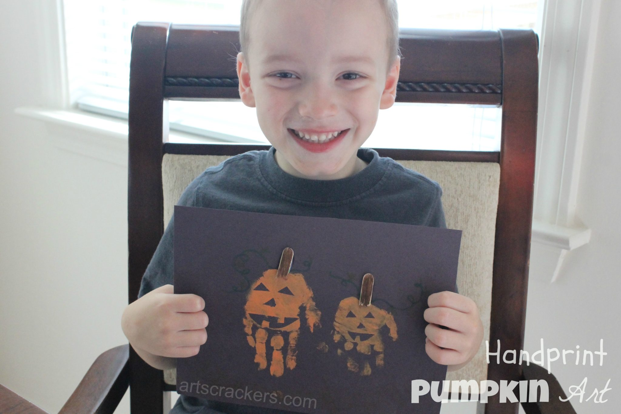 Handprint Pumpkin Art
