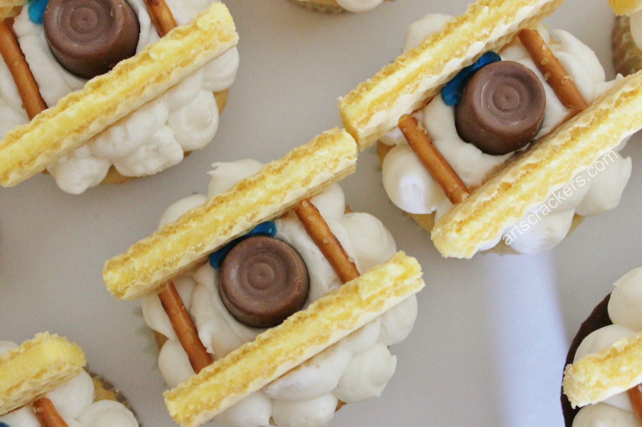 Biplane Cupcakes with Pretzel Poles