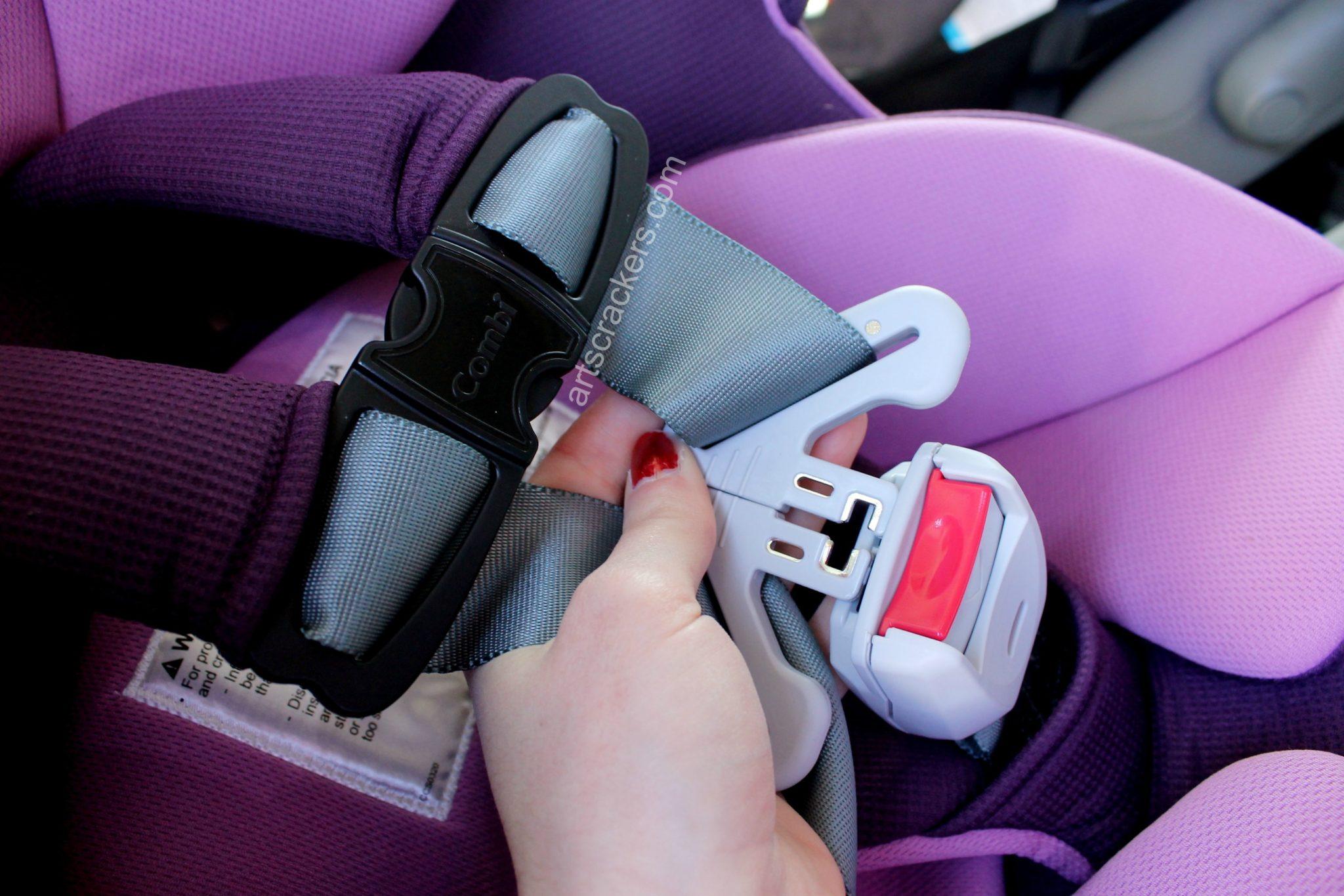 Combi Coccoro Car Seat Buckle