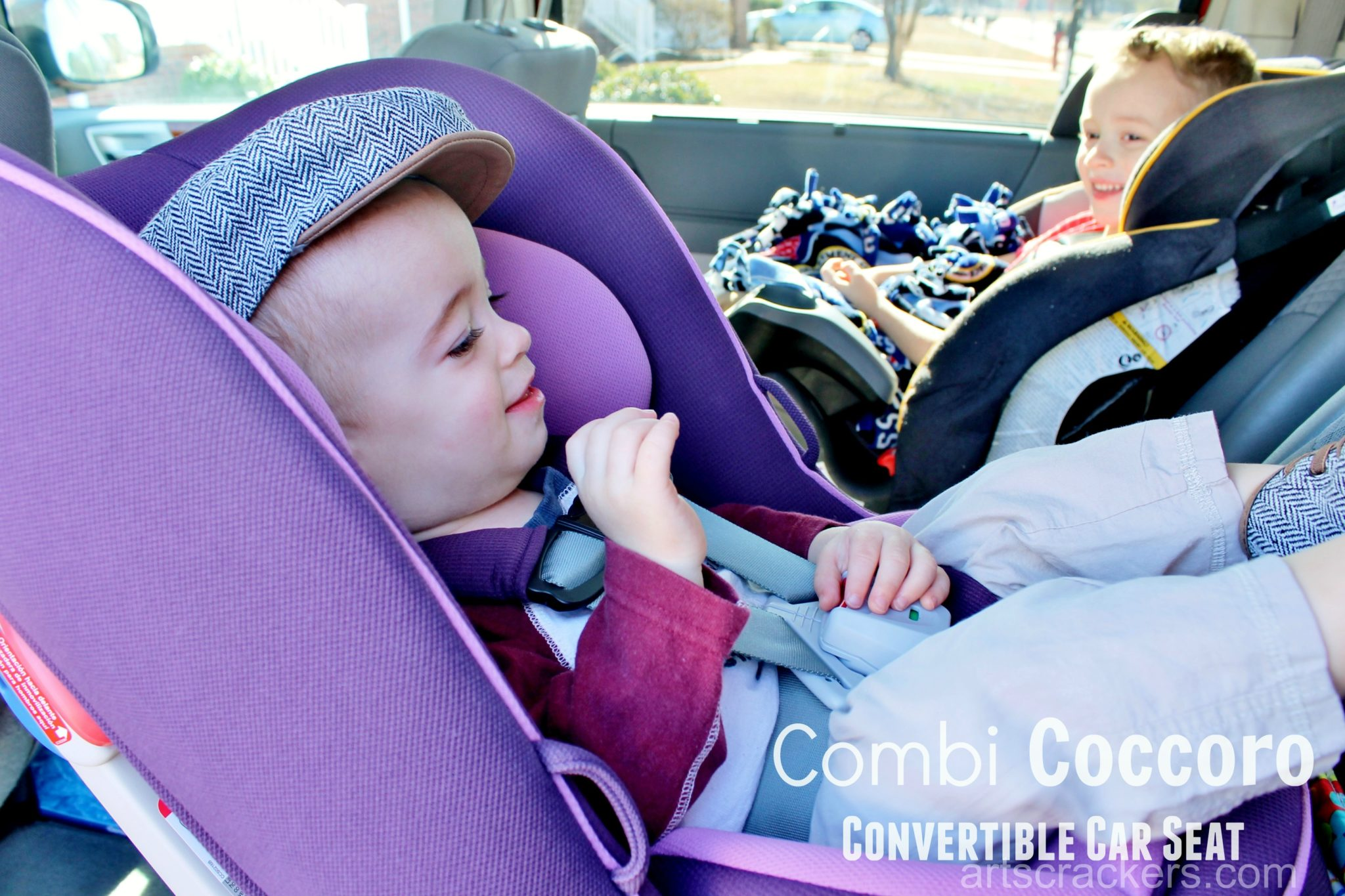 combi coccoro convertible car seat review and giveaway. Black Bedroom Furniture Sets. Home Design Ideas