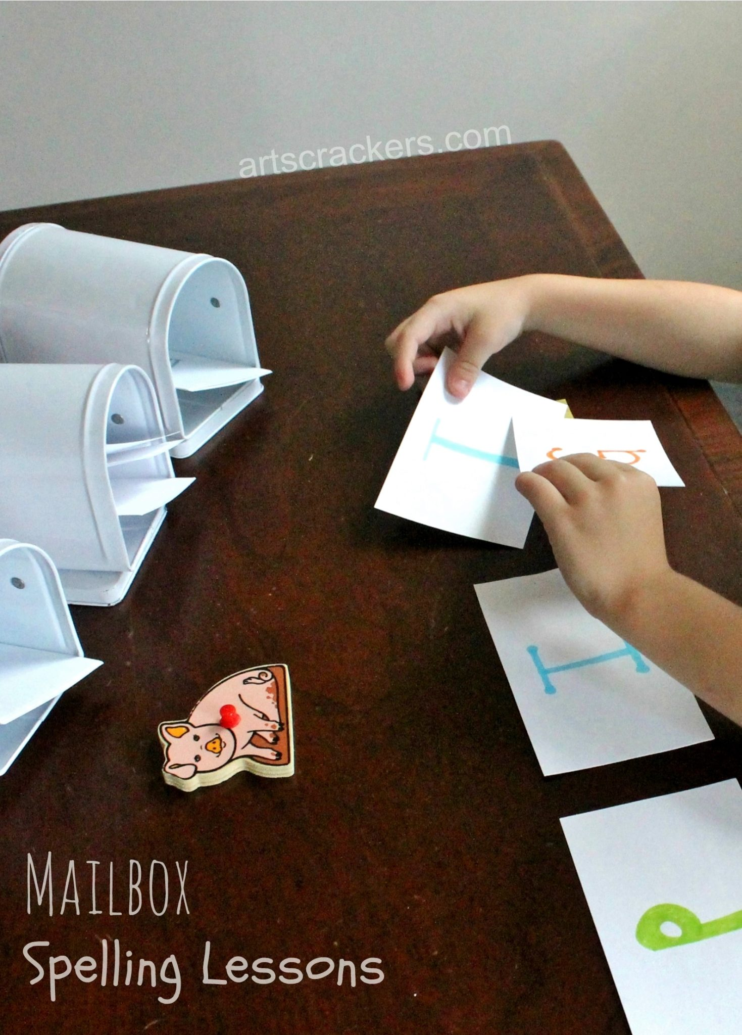 Mailbox Spelling and Word Building Lessons Activity. Click the picture to view the instructions.