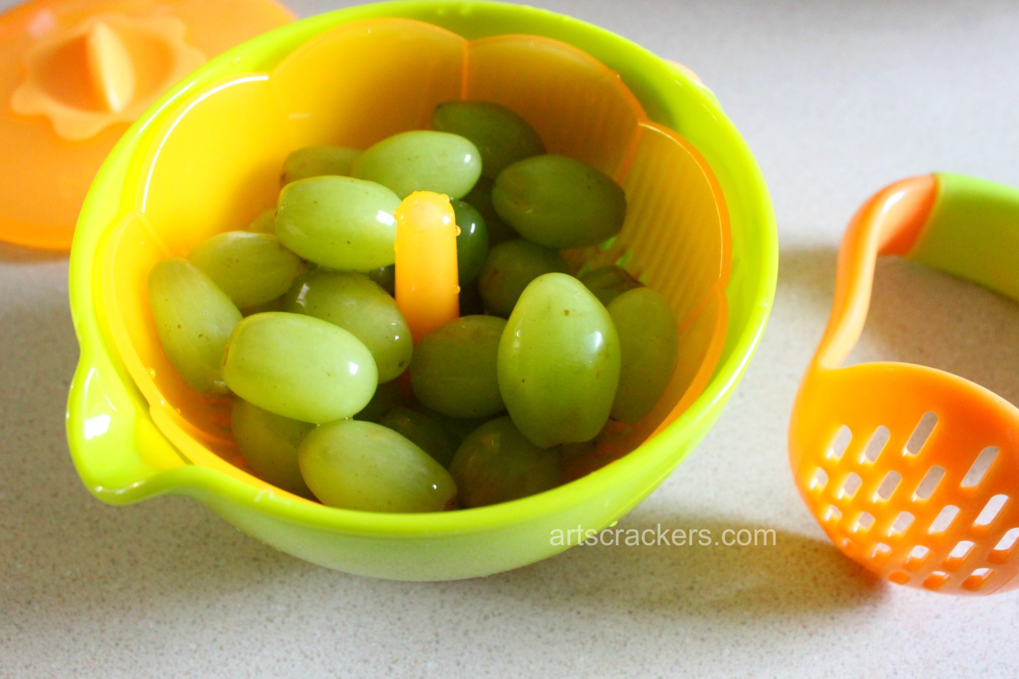 Nuby Green Grapple Pops Grapes