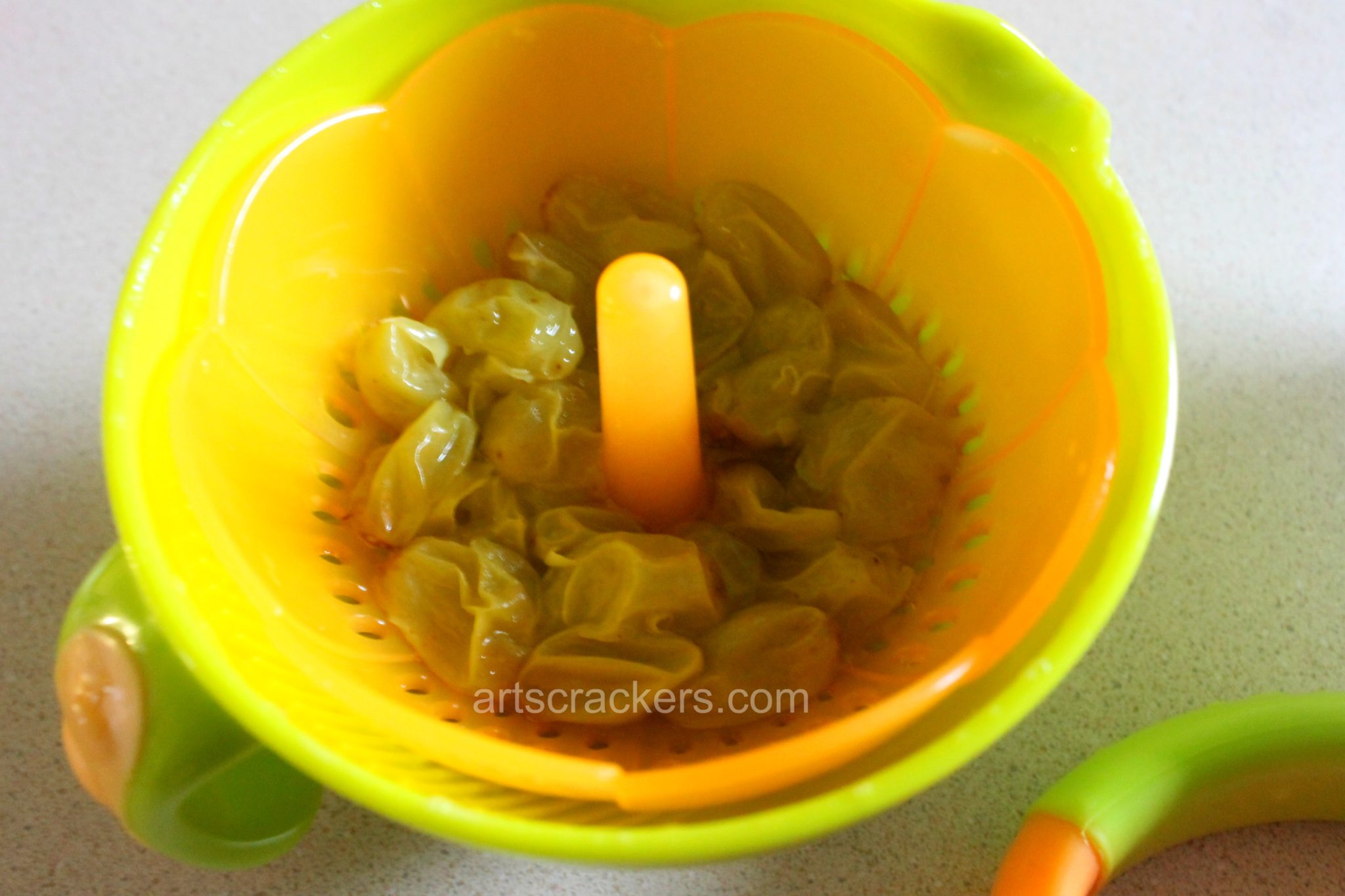 Nuby Green Grapple Pops Steamed Grapes