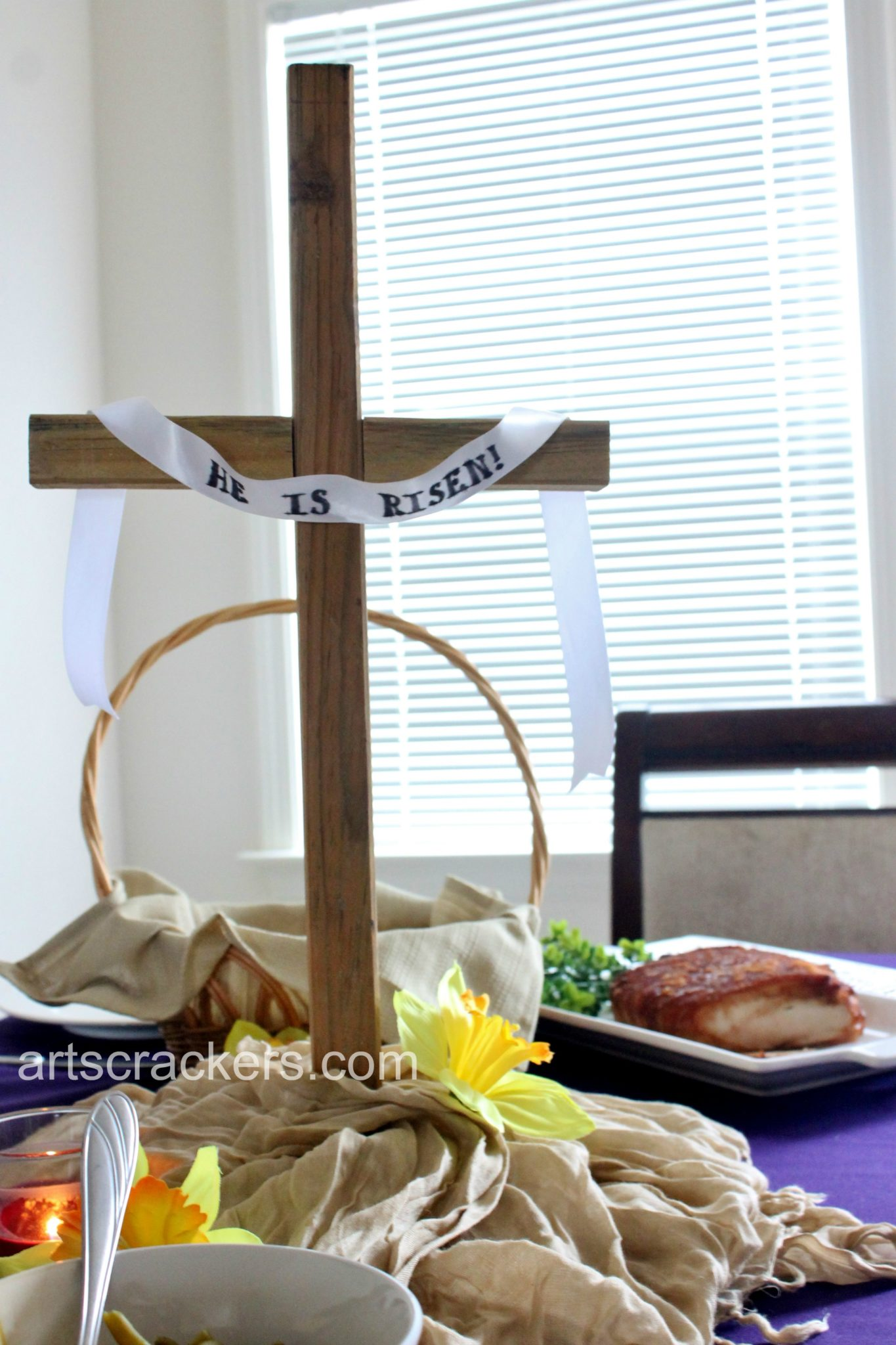 Easter Cross Table Centerpiece. Click to view my top 5 planning tips.