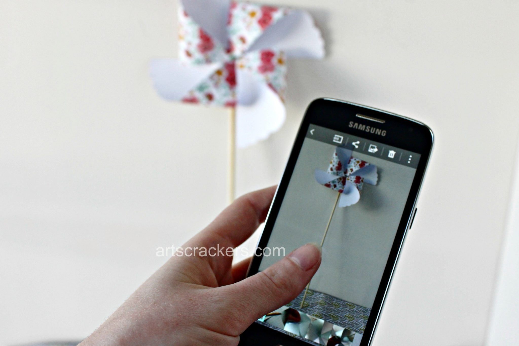 Samsung Galaxy Avant Walmart Family Mobile Sharing Pinwheel Craft. Click the picture to read the post.