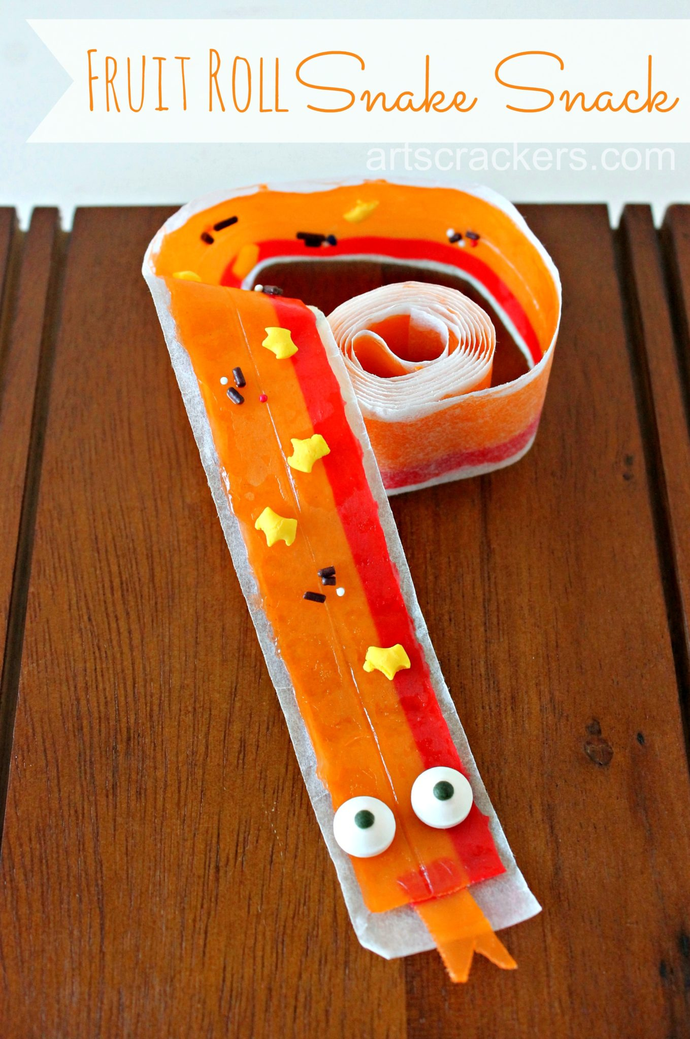 Fruit Roll Snake Snack. Click the picture to get the tutorial.
