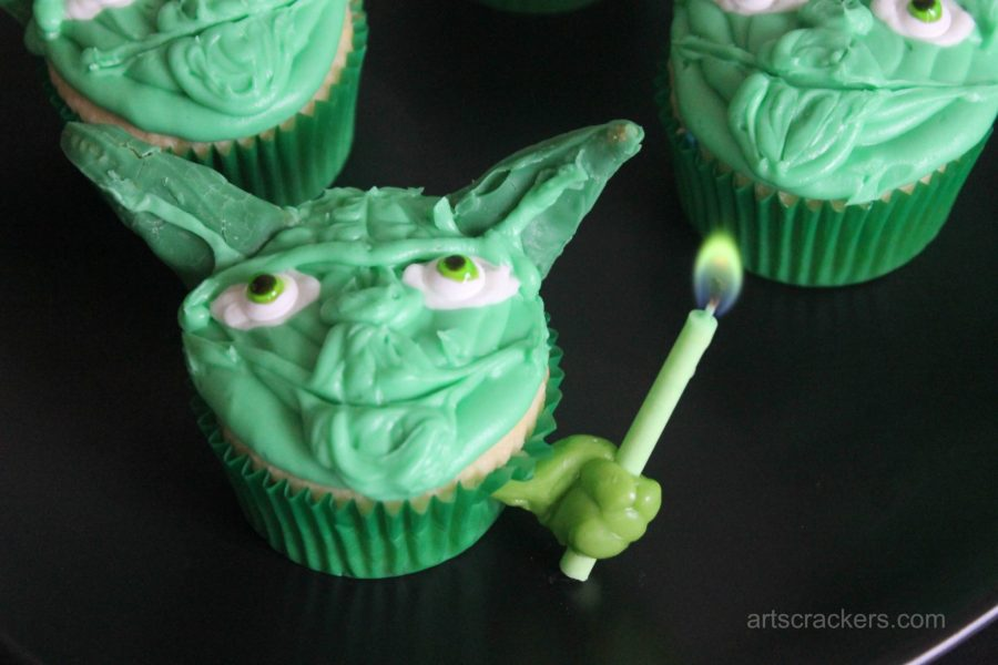 Star Wars Rebel Party Yoda Cupcakes with Candle