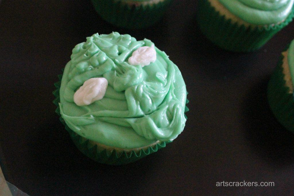 Yoda Cupcakes Step 10