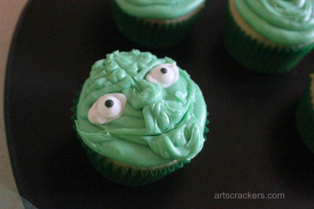 Yoda Cupcakes Step 11