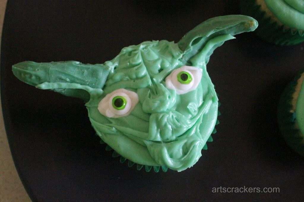 Yoda Cupcakes Step 13