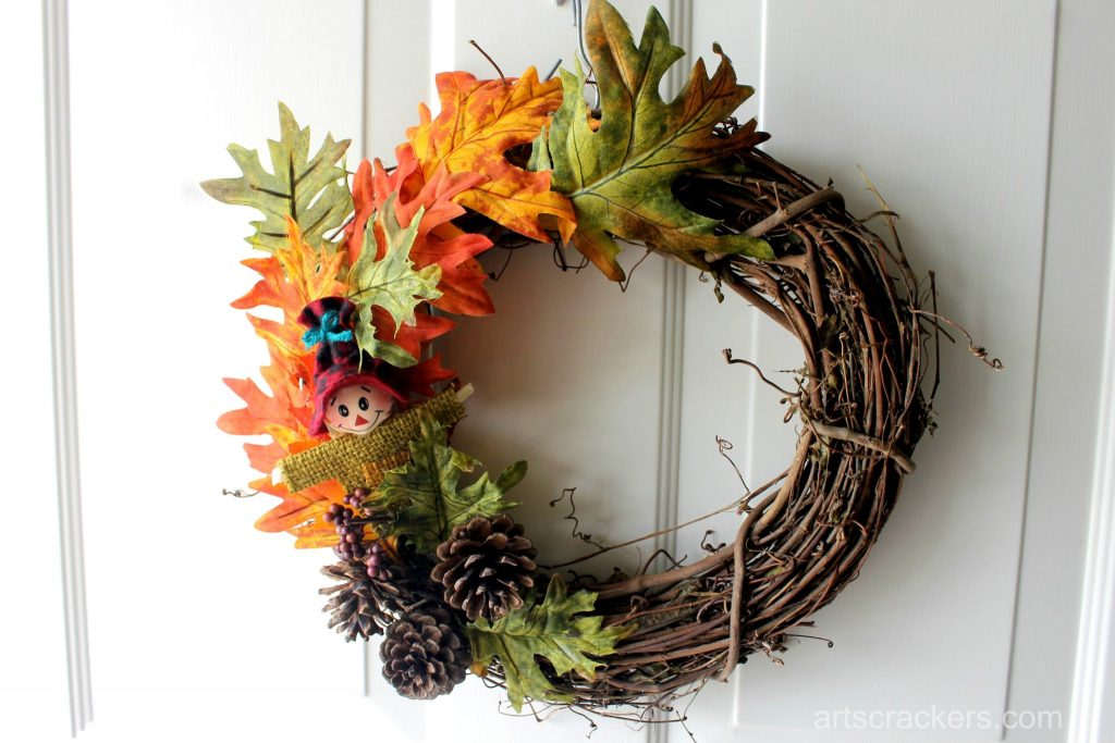 Simple Fall Wreath With Scarecrow