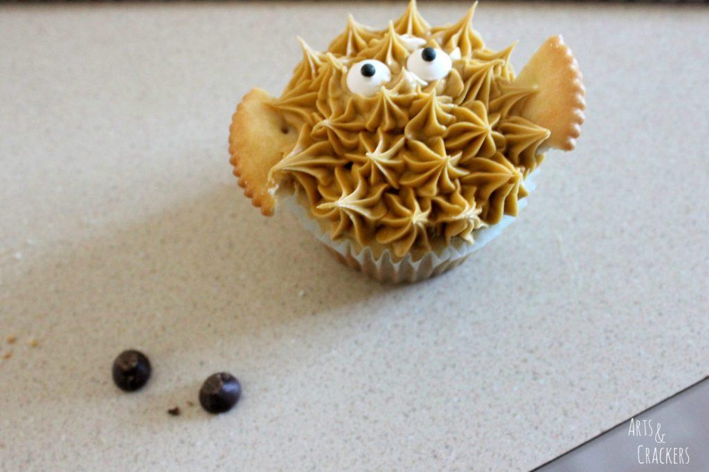 Aquarium Cake and Fish Cupcakes Step 14