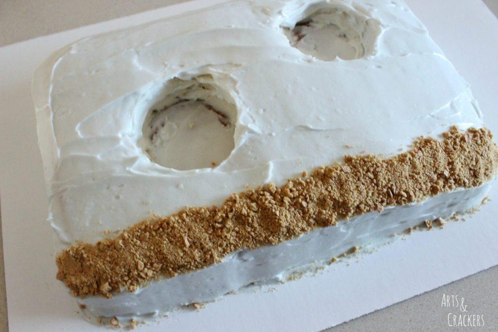 Aquarium Cake and Fish Cupcakes Step 6