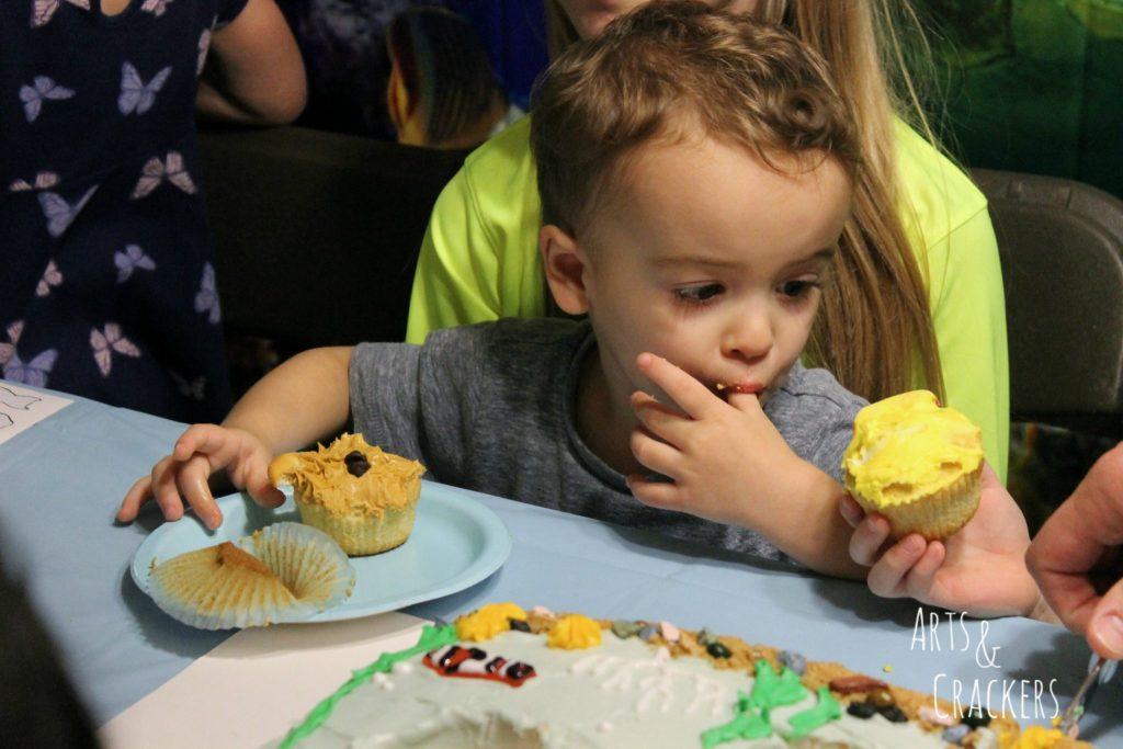 Ocean Party Cupcake Stealer