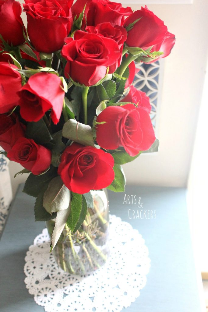 Bloomsy Box Roses in Ball Jar