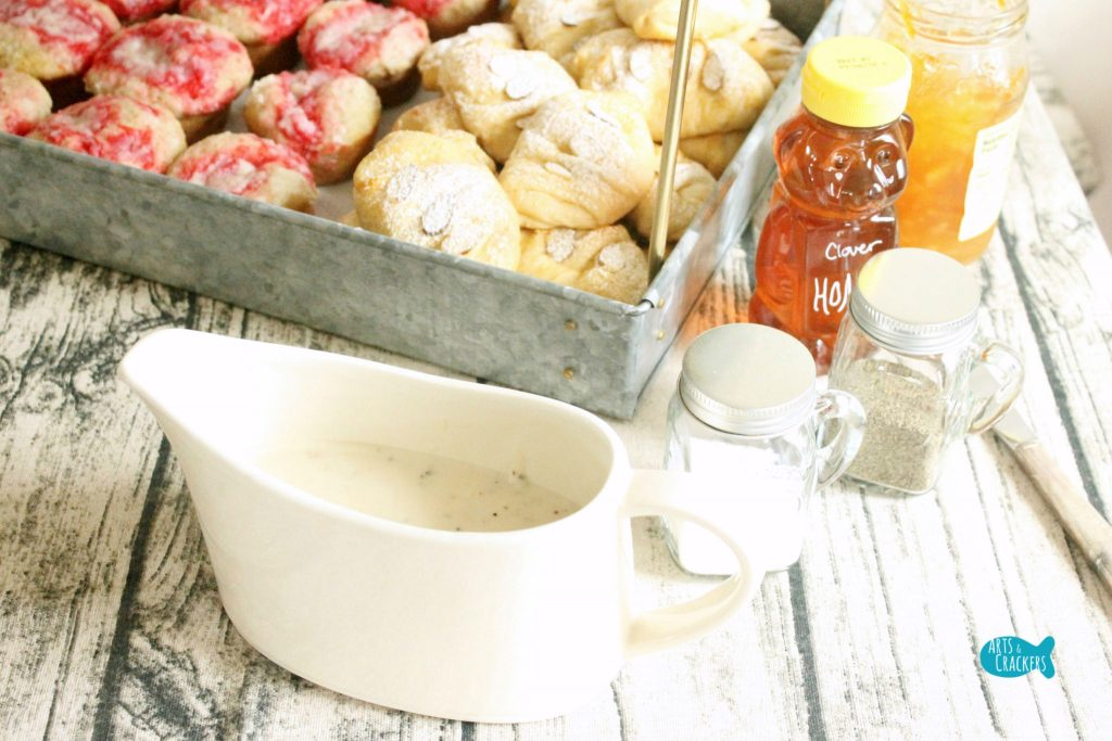 Farmhouse Breakfast Party Gravy