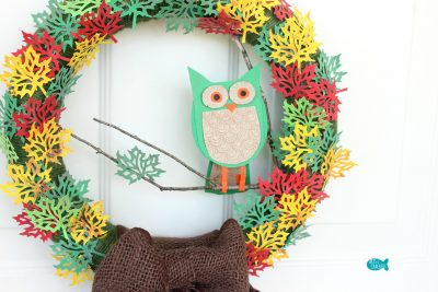 Paper Leaf Tree Wreath Close