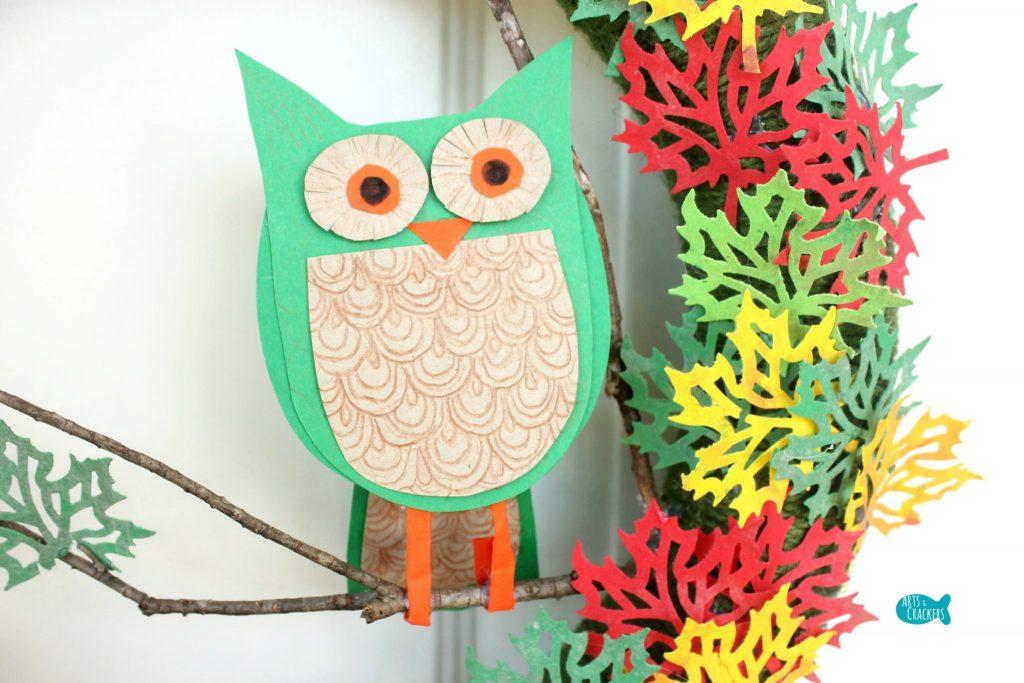 Paper Leaf Tree Wreath Owl
