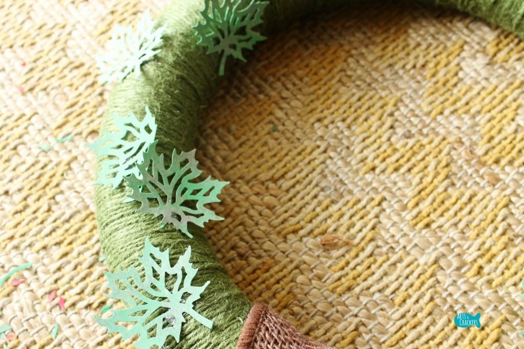 Paper Leaf Wreath For Fall Step 9