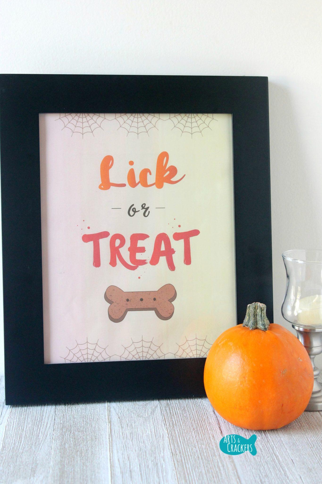 Printable 'Lick or Treat' Wall Sign