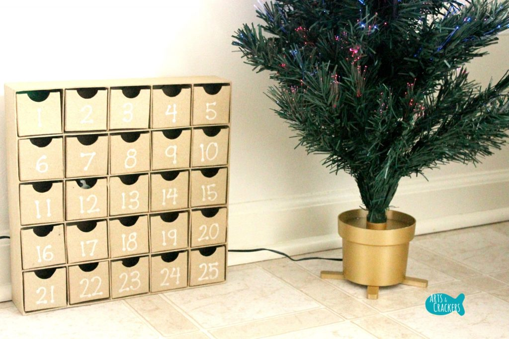 Decorate a Christmas Tree Advent Calendar Set Up