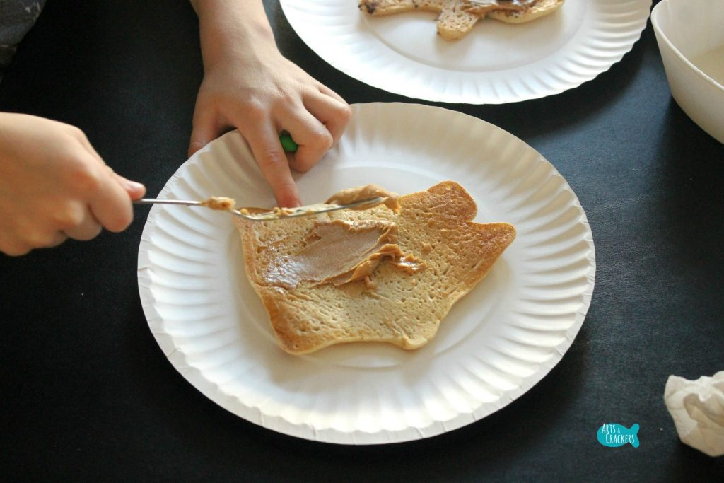 Gingerbread Pancakes Decorating 9