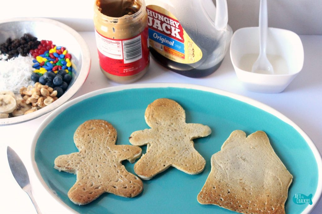 Gingerbread Pancakes Decorating 5