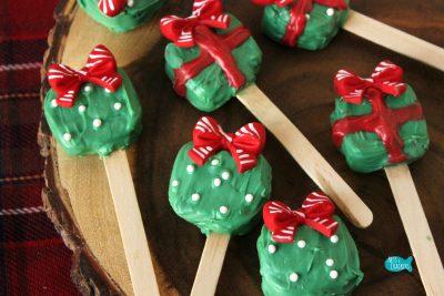 Peanut Butter Pretzel Pops Christmas Treat