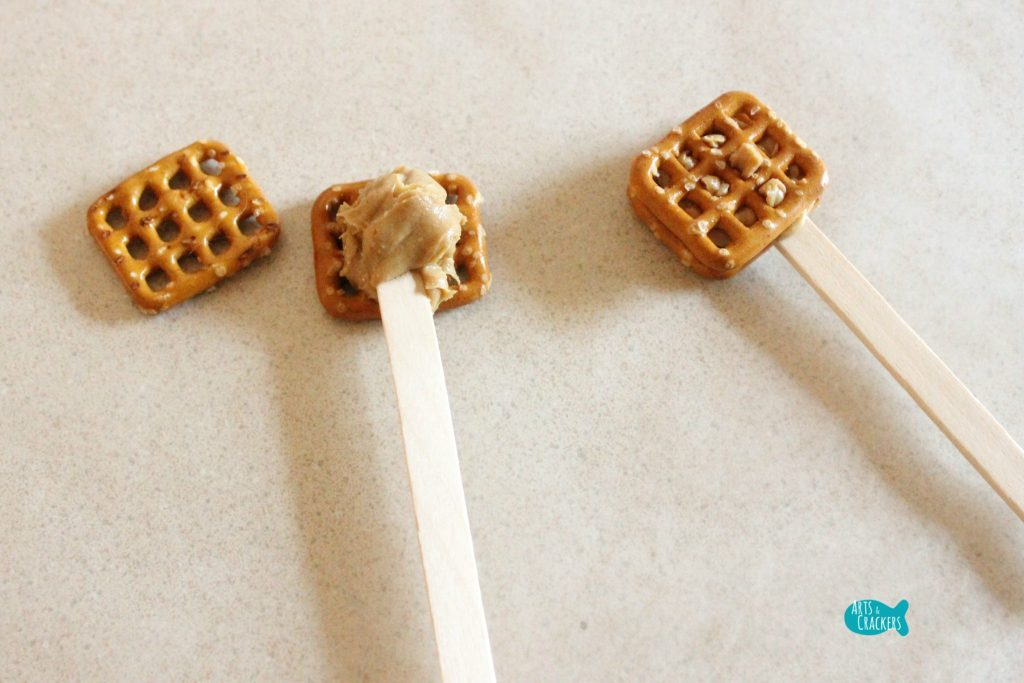 Peanut Butter Pretzel Pops Christmas Treat 1