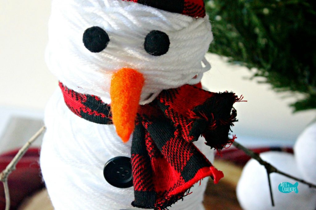 Yarn Ball Snowman Close