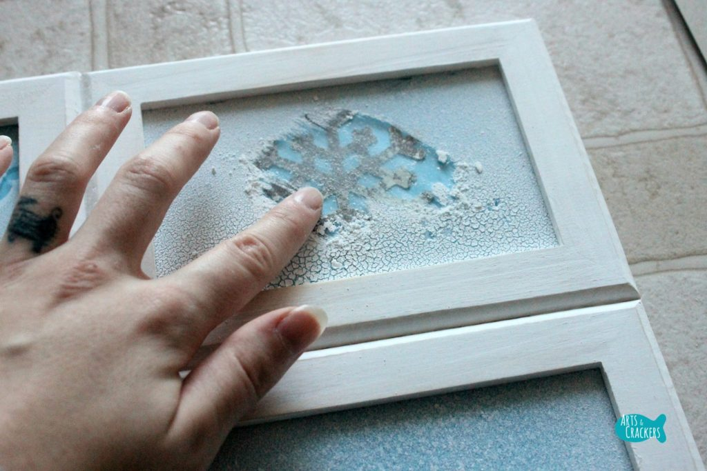 Frosted Frames Winter Home Decor 8