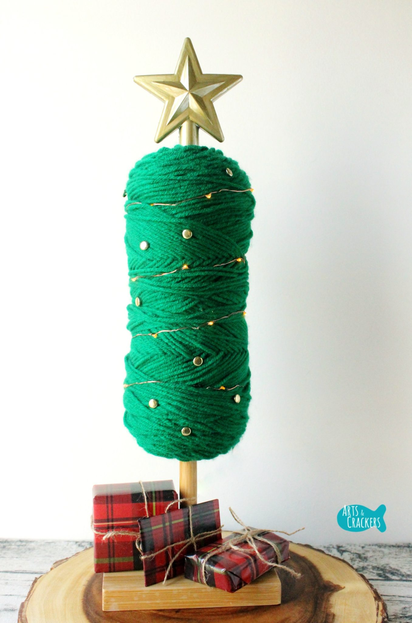 DIY Yarn Christmas Tree Decoration