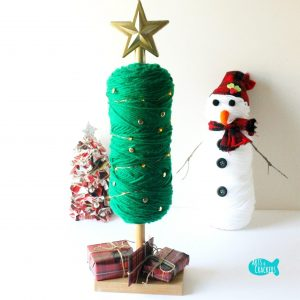 DIY Yarn Christmas Tree Square