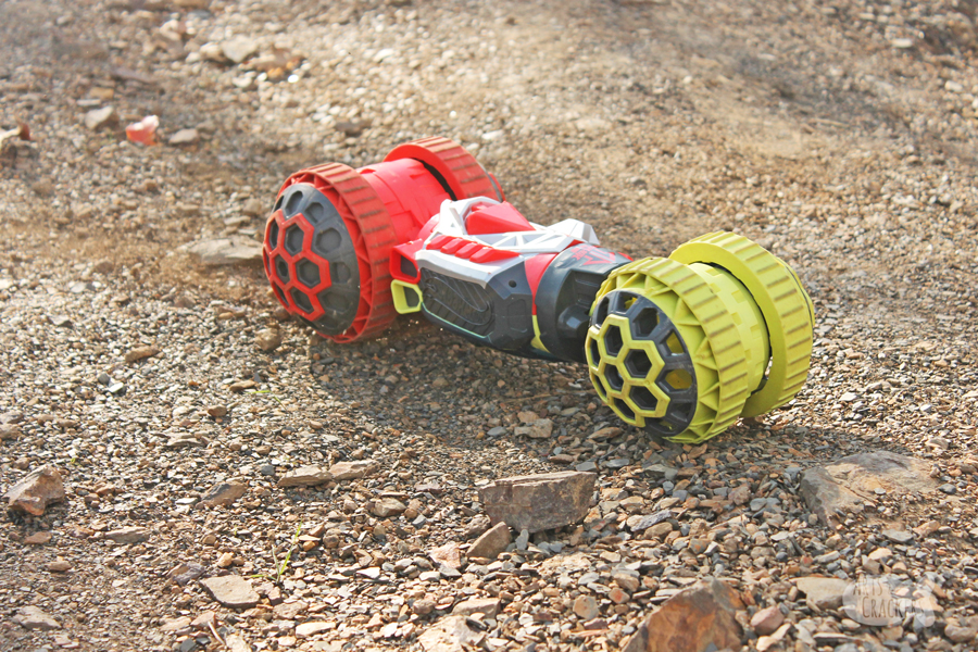 Remote Control Cars for Kids can offer a great bonding experience that is also educational - try these math and science activities using your remote control vehicle | great for homeschool lessons.