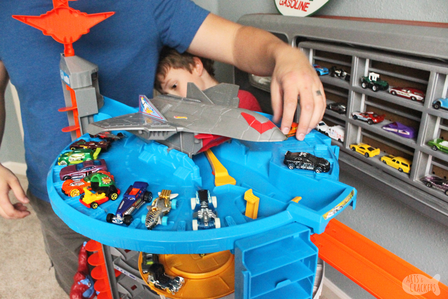 Playing with dad is a great time for bonding and hands-on education that sticks. Here are 7 ways playing with dad is educational with Hot Wheels | parenting | father and son | fun for boys | #parenthood #handsoneducation #earlychildhoodeducation #educationalactivities #dadandboys #fatherandson #indooractivities #sentimentalparenting #positiveparenting #gentleparenting making education stick #learningactivities #makingmemories #hotwheels