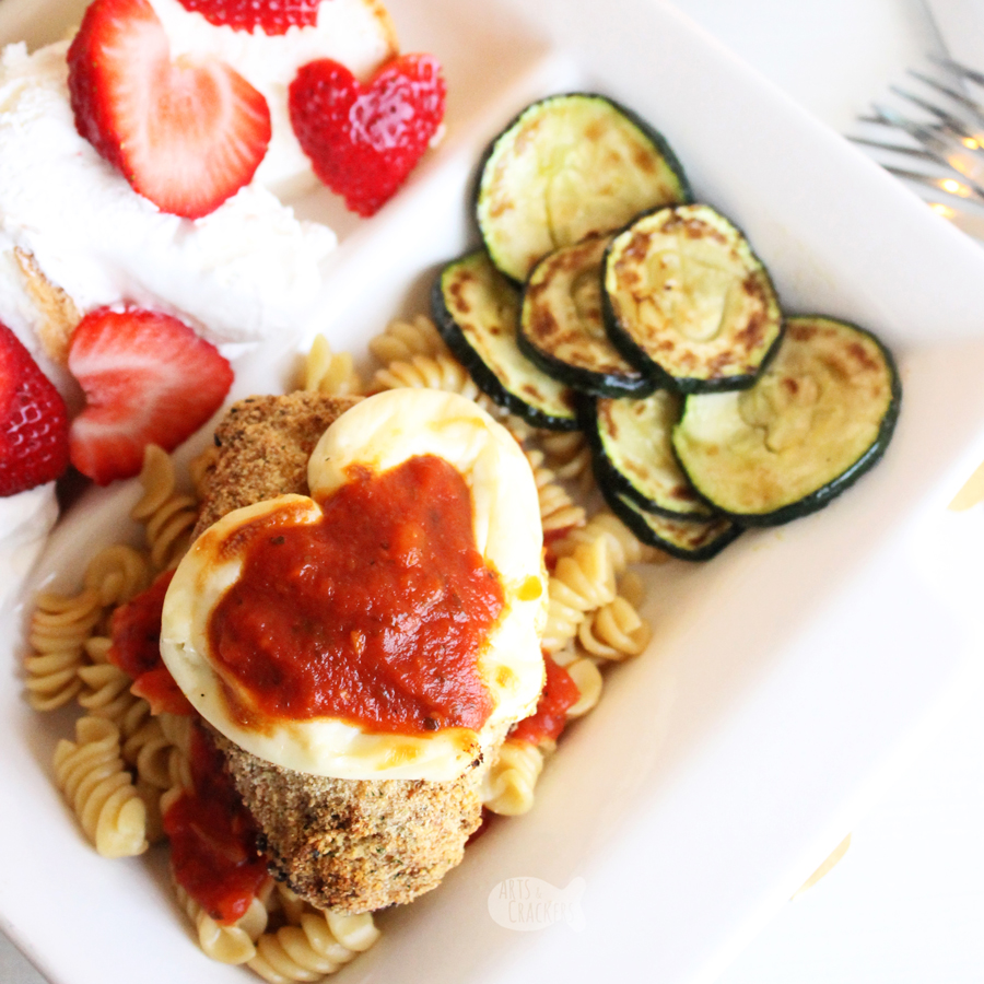 Make Valentine's Day special at home with this simple Chicken Parmesan Valentine's Dinner for Two | Recipe | Cooking | Dinner Ideas | #foodblogger #recipe #valentines #chickenrecipes #foodgawker