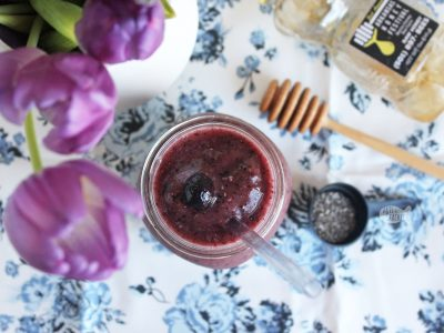 If you're on a mission to find nutritious foods that fit your health lifestyle, this easy Dairy-Free Blueberry Smoothie recipe needs a place in your day | smoothie | clean eating | fruit smoothie | dairy-free smoothie | personal blender | smoothie recipes | chia seeds | kale powder | drink recipes | beverage recipes | breakfast recipe