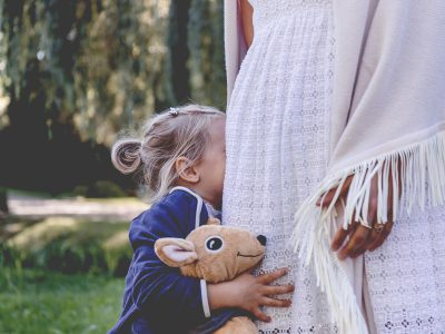 """Ease separation anxiety in children with the """"Hug Jacket Method."""" Parenting is hard, but sometimes there are little """"parenting hacks"""" that help and this is one that helped us 