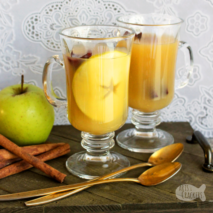 A delicious combination of apple cider and apple pie, everyone will love this gluten-free slow cooker Hot Apple Pie Party Punch with an optional scoop of ice cream | punch recipes | apple pie cider | slow cooker beverages | gluten free | thanksgiving drinks | apple cider drink #glutenfree #partypunch #recipe