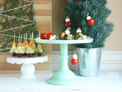 Make the holidays special with this Edible Trees and Ornaments Christmas Appetizer, perfect for parties and a healthy kid-friendly snack | Christmas food | Christmas appetizer | Christmas party | Holiday party food | Christmas snacks for kids | Holiday food | Edible crafts | Fun food | String Cheese | Gluten-Free Appetizer #glutenfree #funfood #Christmas #foodblog