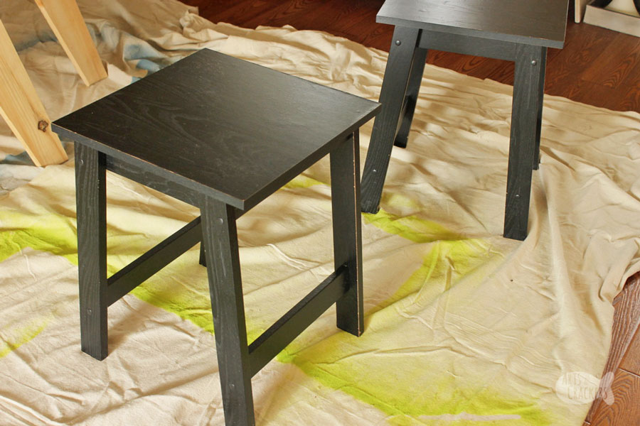 Give your cheap tables a stylish farmhouse makeover with this DIY farmhouse decor tutorial | farmhouse side table | farmhouse makeover | painting tutorial | furniture painting | cheap farmhouse decor | side table makeover | farmhouse room makeover | chalk paint project | chalk paint table makeover | furniture project | country chic | rustic farmhouse decor tutorials