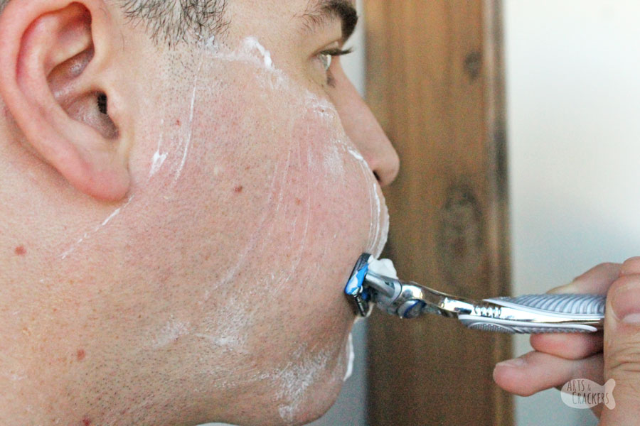 If you struggle with sensitive skin, razor burn, and razor bumps, you'll appreciate these tips from a military service member on how to shave your face when you have sensitive skin   shaving tips   shaving preparation   shaving tips for men   shaving sensitive skin   prevent razor bumps   Gillette SkinGuard   resources for military men   men's grooming   shave your beard   hygiene for men  #shavingtips #sensitiveskin #personalcare #military